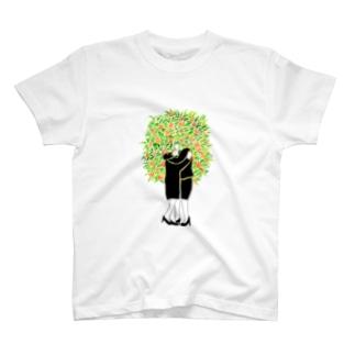 抱き合う2人(金木犀) T-shirts
