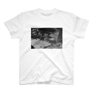 モノクロフラワー T-shirts