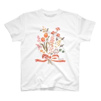 花束とうさぎ Tシャツ