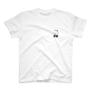 子パンダ(後) T-shirts