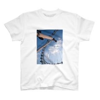 ろんどんのおめめ T-shirts