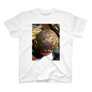 虫の卵バーガー T-shirts