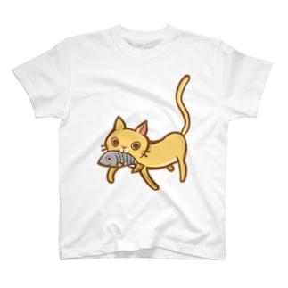 お魚くわえた猫ちゃんのお買い物?? T-shirts
