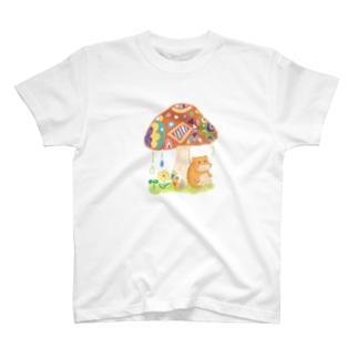 ハムちゃんの雨やどり T-shirts