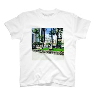 フリーセックスオンザビーチ T-shirts
