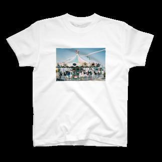 よどんでいるのメリーゴーランド T-shirts