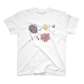 雨のドレス T-shirts