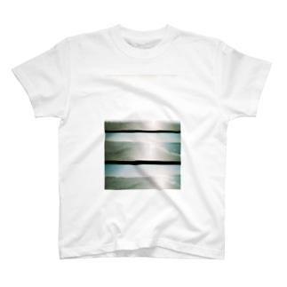 movies:瞼の裏の海 T-shirts
