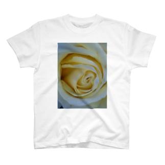 バニラアイス T-shirts