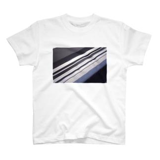 bug?T T-shirts