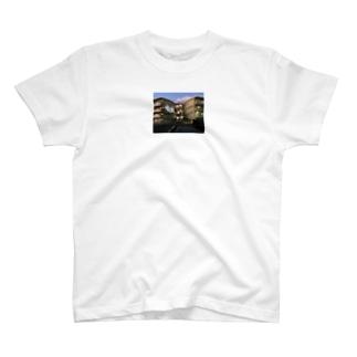 芋虫2匹 T-shirts