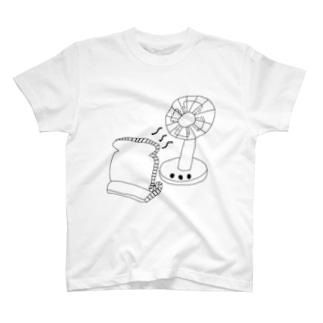 涼む食パン T-shirts