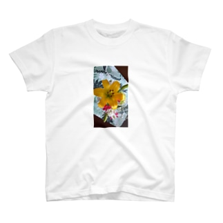はな2 T-shirts