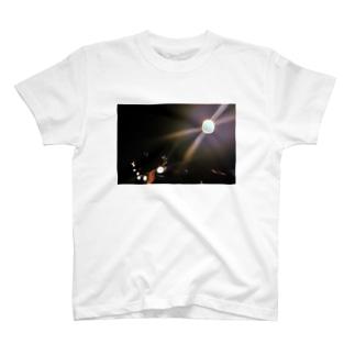 light. T-shirts