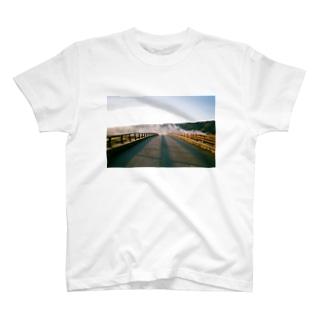 神明橋 T-shirts