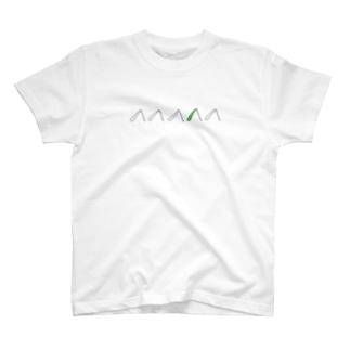 バッタの足 T-shirts
