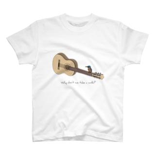 アコースティックギターと野鳥(カワセミ) T-shirts