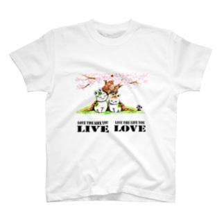 「桜の下の猫たちと素敵な言葉」琉球絵物語 ST035 T-shirts
