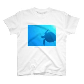あおい's libraryの海 T-shirts