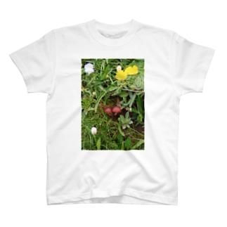 なかよしキノコ T-shirts