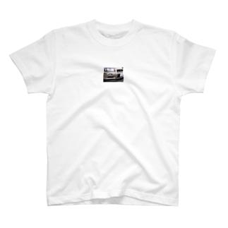 34日和 T-shirts