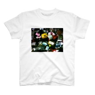 オシャレはつま先から T-shirts