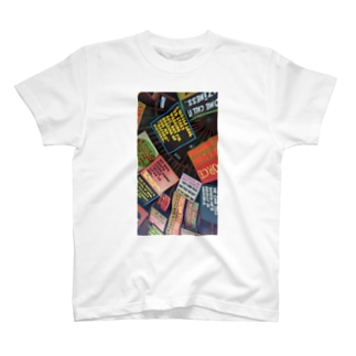 ナッソーのタコス屋さんの天井 T-shirts