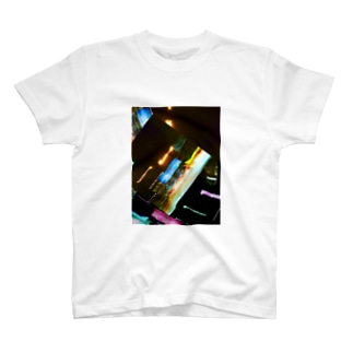 UNFINISHED ~Be blurred~ T-shirts