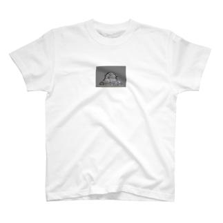 シーシー T-shirts