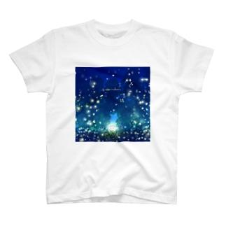 蛍。 T-shirts
