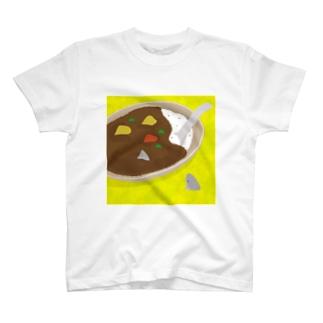 カレーの中と外で視線を交わす前のサメ/出会う前 T-shirts