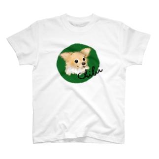 チビちゃん green T-shirts