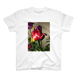 チューリップ T-shirts