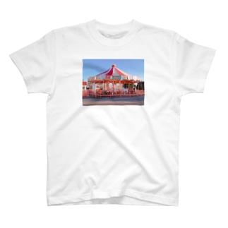 ぐるぐるメリーゴーランドのやつ。 T-shirts