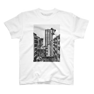 カエルとビル T-shirts