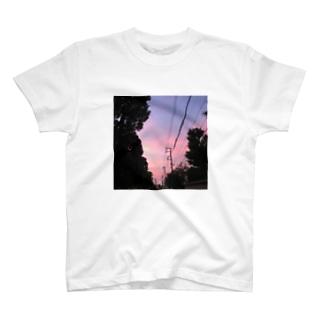母校 T-shirts