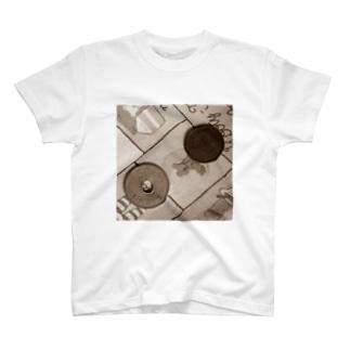 旧50円玉と旧5円玉 T-shirts