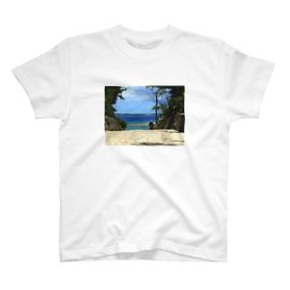 Minna_Island T-shirts