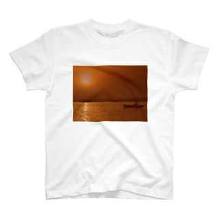 Sunrise in ganges T-shirts