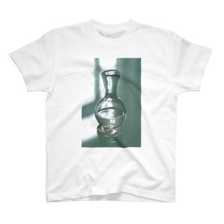 涙壺 T-shirts
