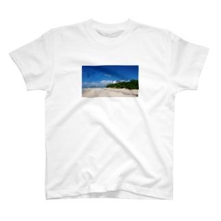 夏の浜辺 T-shirts