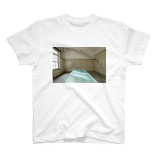 涙の部屋 T-shirts