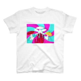 マッシュルーム・ダンス T-shirts
