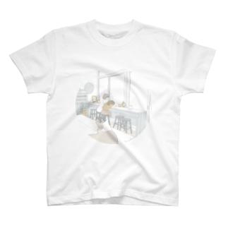 猫のいるカフェで T-shirts