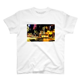 東京タワー03 T-shirts