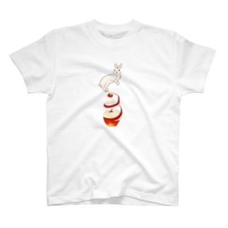 りんご大好きうさぎ T-shirts
