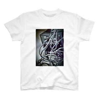 スピーカー(黒) T-shirts