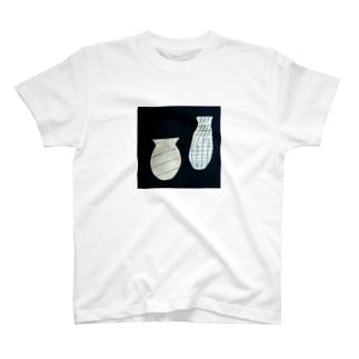 線を持つ花瓶たち Tシャツ