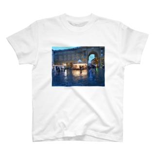 レプブリカ広場 T-shirts