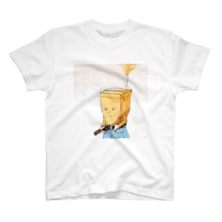 パックのベルトでの締め付けすぎにはご注意を Tシャツ